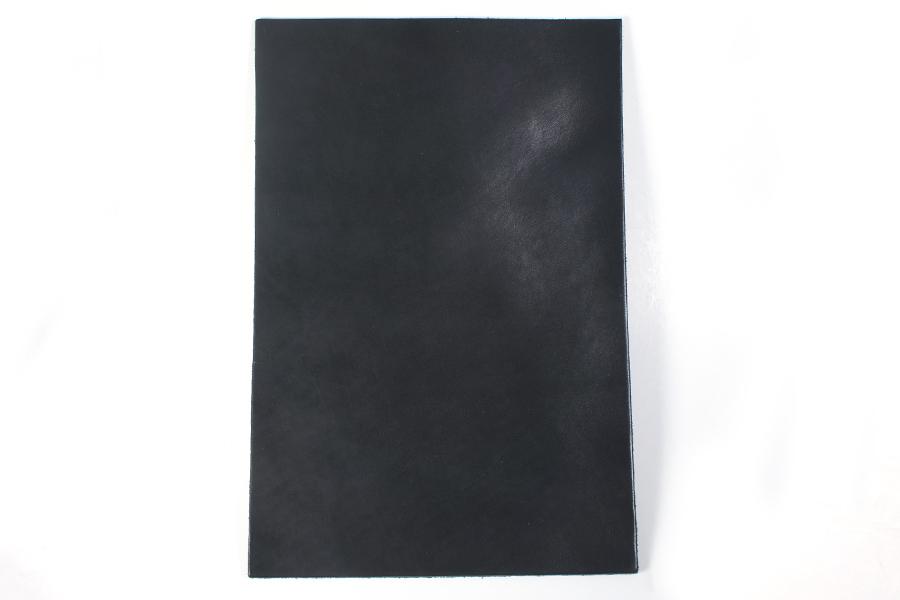 LCサドルレザー・スタンダード・グレージング(艶あり)裁ち革(ハガキサイズ 10 × 14.8 cm)