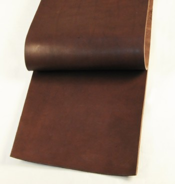 30 cm巾カット販売・LCサドルレザー・スタンダード・マット<ダークブラウン>(28 デシ)