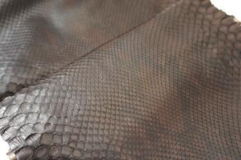 ダイヤモンド・パイソン マット 切り売り(幅25cm以上)