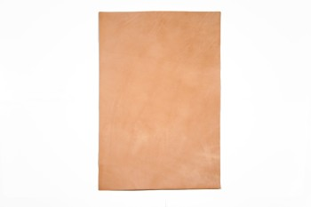 <オークション・アウトレット>④ヌメ革(ツヤなし)<無地> 裁ち革3656 厚さ:約1.2 mm