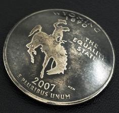ワイオミング州クウォーターニッケルコインコンチョ(いぶし仕上げ) ボタンループ式